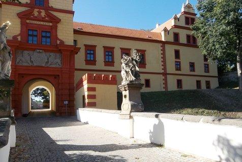 FOTKA - Třebíč...u zámku