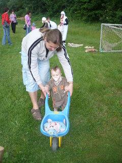 FOTKA - dětský den  2012 -Lukášek s tátou