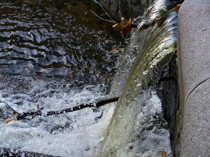 FOTKA - 18.10.12, odpolední procházka ke splavu..