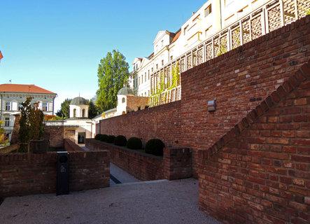 FOTKA - nově restaurované jižní terasy z bývalého opevnění města