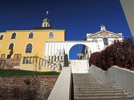 FOTKA - Gočárovo schodiště na konci jižních teras