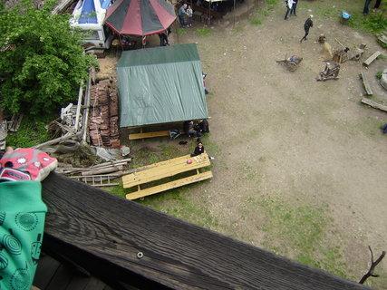 FOTKA - pohled z hradn� v�e 2