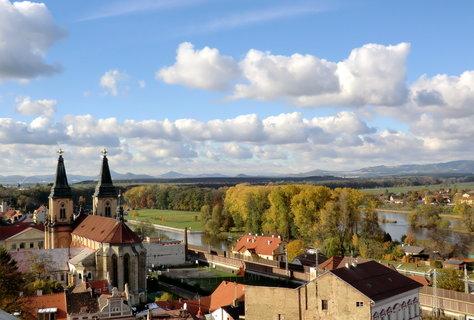 FOTKA - město a věže kostela