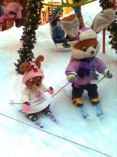 FOTKA - 14.11.2012 - vánoční výzdoba Arkády Praha, učíme se lyžovat..