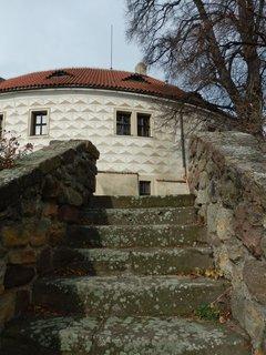 FOTKA - pohled ze zahrady na zámek v Kostelci nad Černými lesy