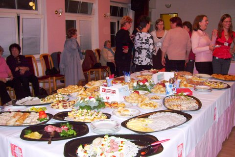 FOTKA - raut - po posvěcení stolu arcibiskupem