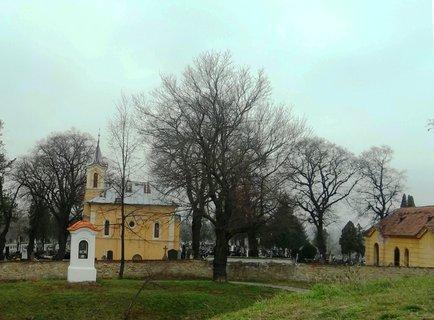 FOTKA - Skalica, Slovensko..Křížová cesta s kostelíkem a hřbitovem