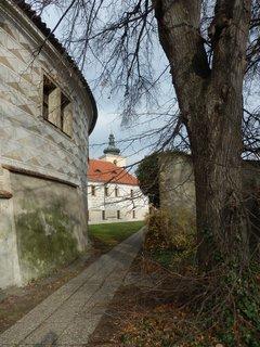 FOTKA - u zámku - v Kostelci nad Černými lesy