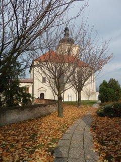 FOTKA - podzim - u zámku v Kostelci nad Černými lesy