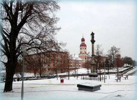 FOTKA - Náměstí se sněhem