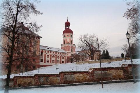 FOTKA - Zimní zámek, pohled z náměstí