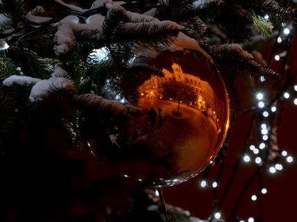 FOTKA - Perštýnské náměstí ve vánoční ozdobě