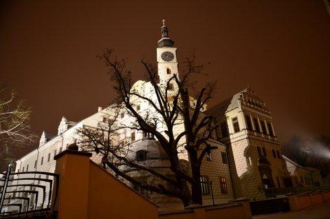 FOTKA - Pardubický zámek v noci