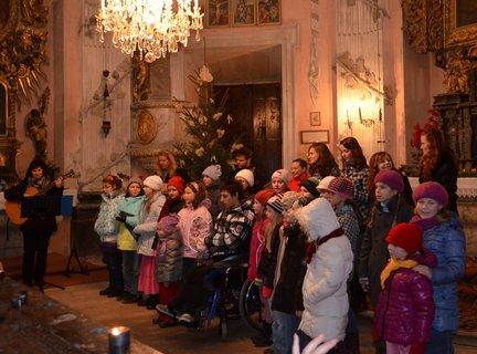 FOTKA - adventní neděle v Choltické kapli