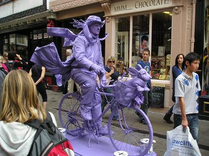 FOTKA - fialový cyklista, Skotsko