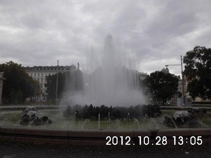 FOTKA - zájezd do Vídně 186, pomník Rudé armády