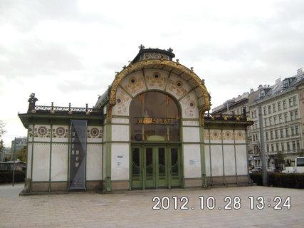 FOTKA - zájezd do Vídně 199, Karlsplatz