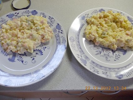 FOTKA - 22.-24.2012-vzpomínám na Vánoce-11-br.salát na talíři