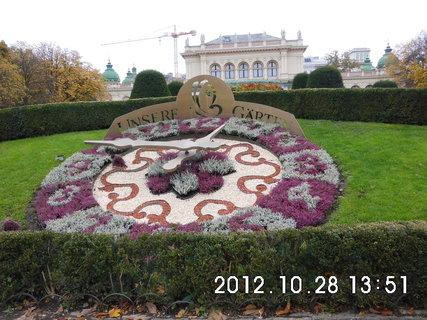 FOTKA - zájezd do Vídně 210, květinové hodiny