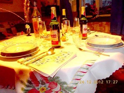 FOTKA - příprava stolu
