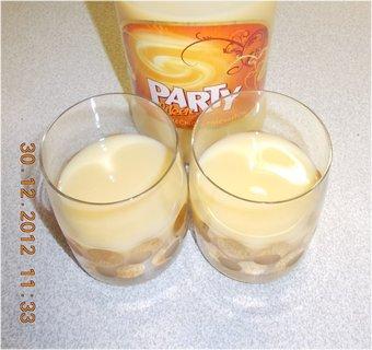 FOTKA - 30.12.2012-11-party s vaječným likérem
