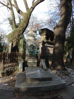 FOTKA - pomník Dr. Antonína Friče