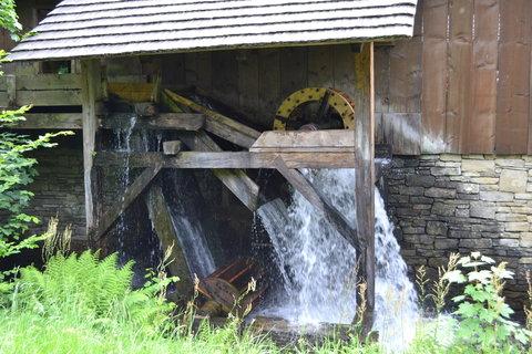 FOTKA - Pila poháněná vodou