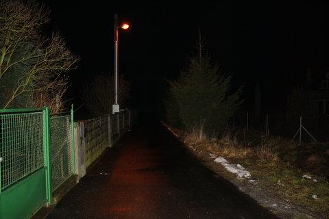 FOTKA - v noci před domem
