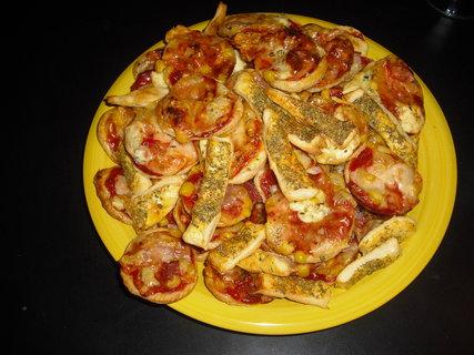 FOTKA - mini pizzy z listkoveho testo