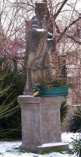 FOTKA - 21.2.2013, socha Sv. Pankr�ce vedle kostela