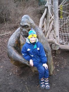 FOTKA - Domík a gorila - prosinec 2011