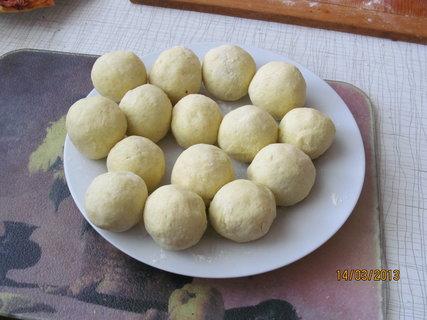 FOTKA - Dnešní švestkové knedlíky z bramborového těsta