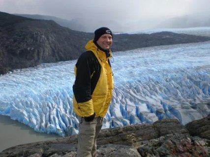 FOTKA - ledovec Grey je široký až 5 km