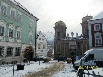FOTKA - Velikonoce v Mikulově- pohled z náměstí ke Svatému kopečku