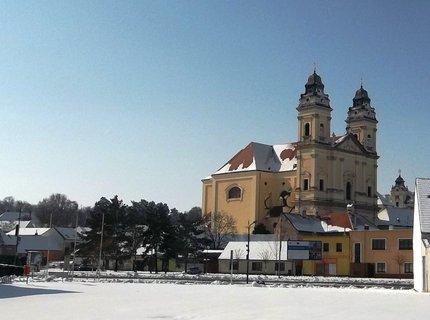 FOTKA - Velikonoce 2013- další kostel -Valtice