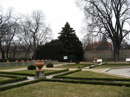 FOTKA - Královská zahrada v dubnu 71