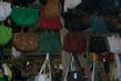 Trh v Istanbulu v casti Besiktas,kabelky