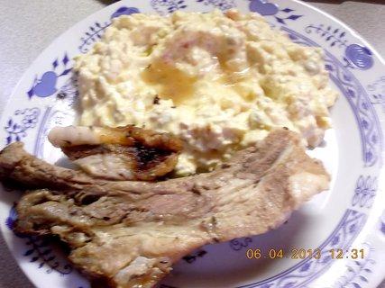 FOTKA - 5.4. - 8.4. - 16 - br.salát a pečené maso - manželova porce