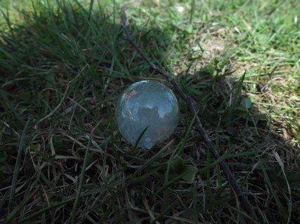 FOTKA - Bublina v trávě