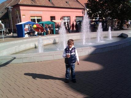 FOTKA - pri fontane