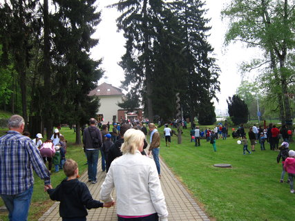 FOTKA - 1. máj v Baťově vile