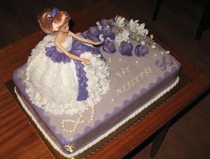 FOTKA - Fialkový dort s panenkou3