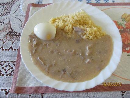 FOTKA - Omáčka z májovek, kuskus a vajíčko