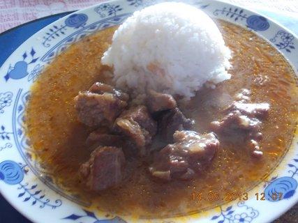 FOTKA - 14.května - 8 - guláš s rýží