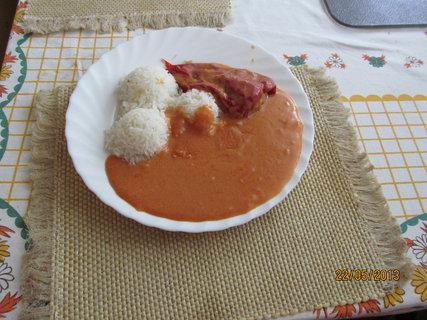 FOTKA - Plněná paprika na talíři