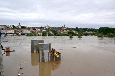 FOTKA - Staveniště vodní elektrárny - pod vodou