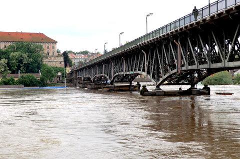 FOTKA - 100 letý most a velká voda