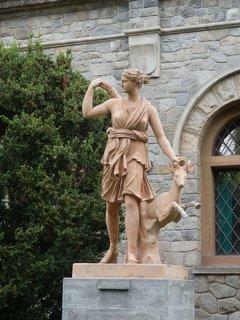 FOTKA - Konopiště, socha před zámkem
