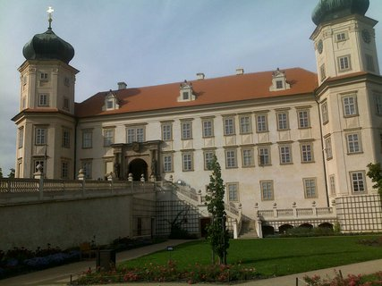 FOTKA - Zámek Mníšek pod Brdy
