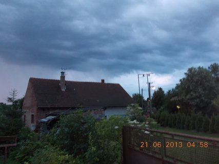 FOTKA - První letní den - 2 - nebe při bouřce a dešti